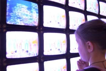 Child and TVs